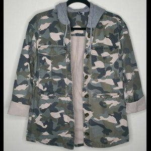 Jackets & Blazers - H & M Divided Size 2 Green Camo Hooded Jacket